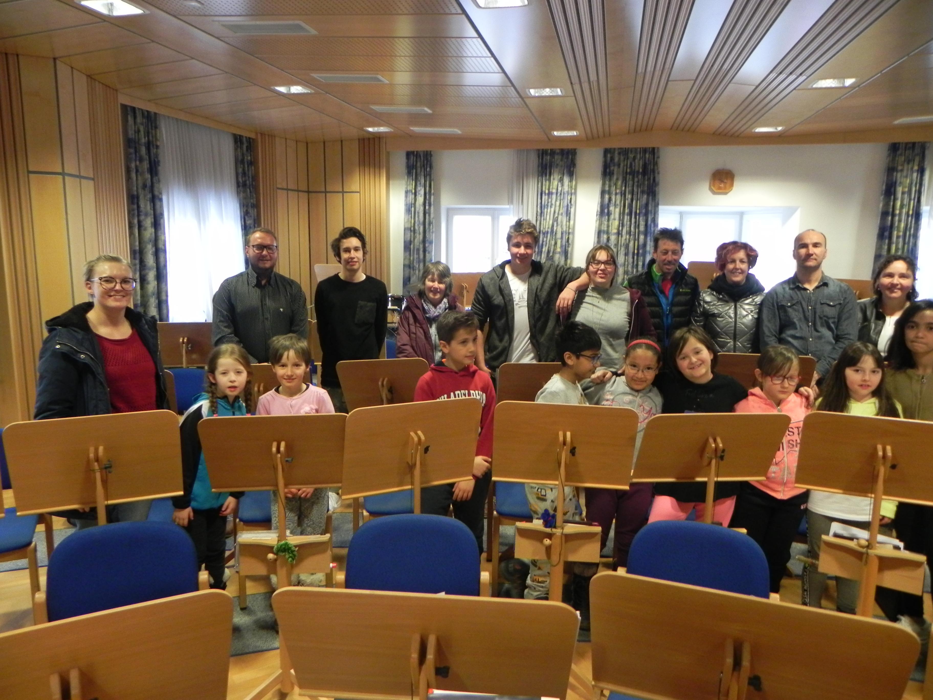 Grundschüler zu Besuch bei der Vereinskapelle